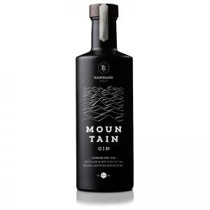 Mountain Gin im Holzfass gelagert